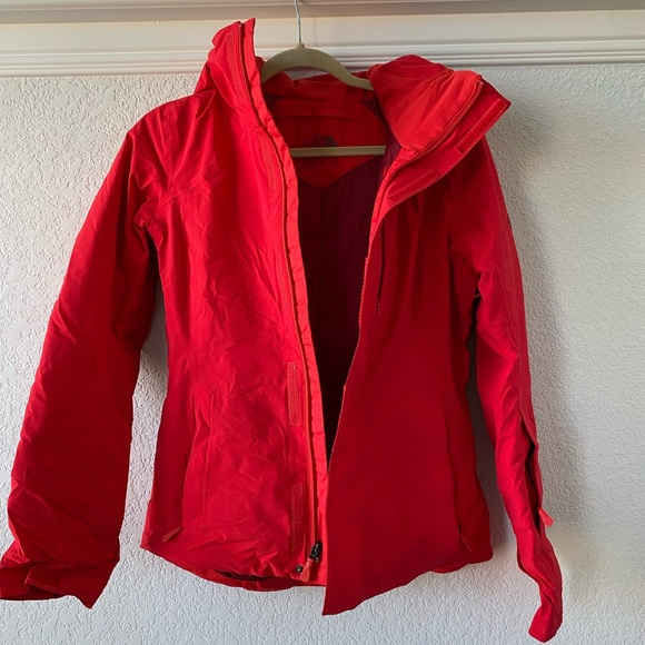 North Face Women's Red Ski Jacket - XS *WORN ONCE*